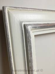 DIstressed picture frame for framing pictures on canvas.